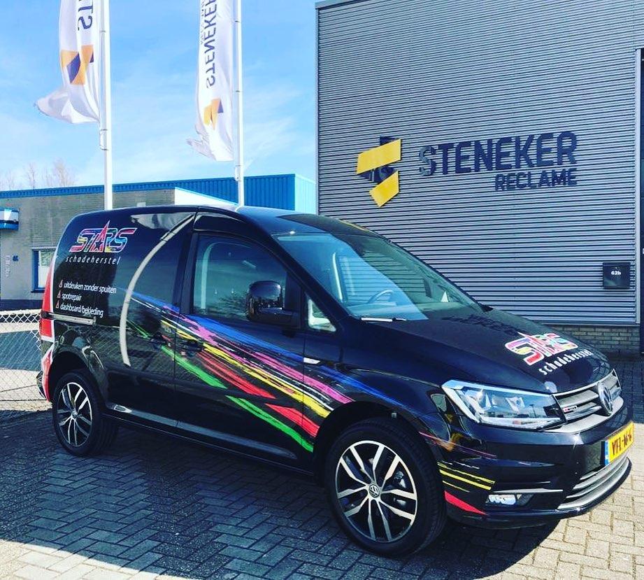 Steneker reclame Apeldoorn, auto belettering
